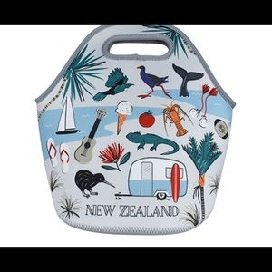 Handbags - DQ & Co. NEW ZEALAND ALL PURPOSE CARRY ALL **NWT